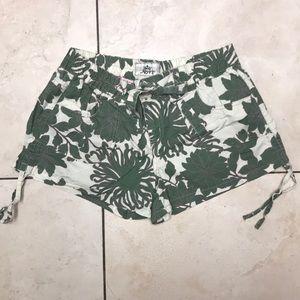 Nori shorts juniors size 11